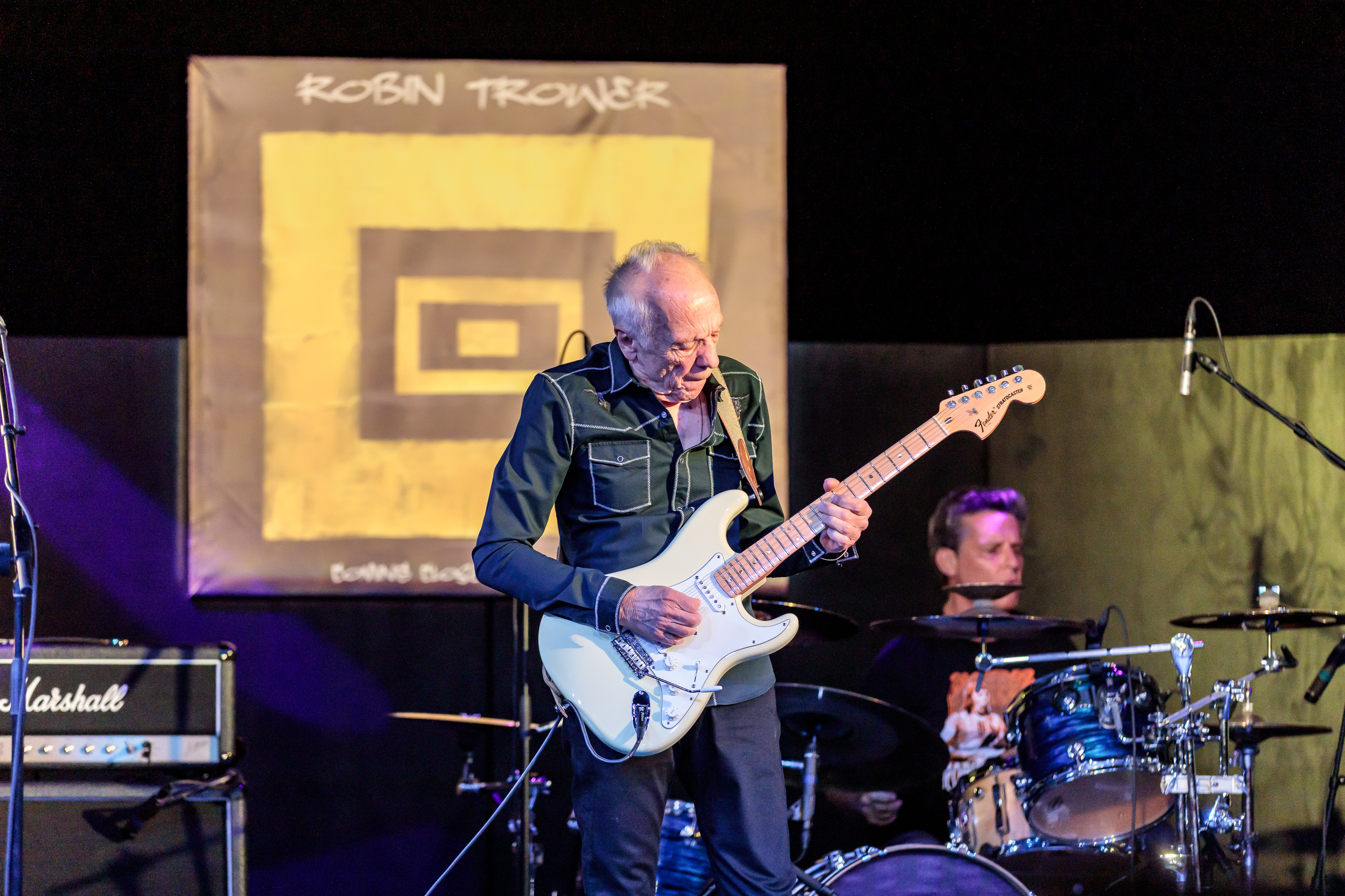 Axe Man Extraordinaire Robin Trower Delights Fans At Celebrity